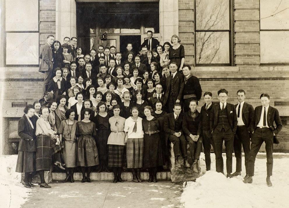 School Photo Class of 1922
