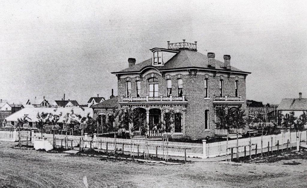 Tracey-Mansion-circa-1905